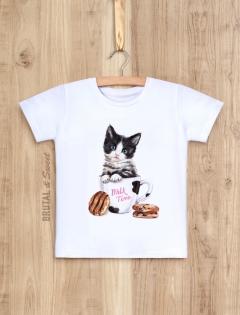 Детская футболка с котёнком «Milk time»